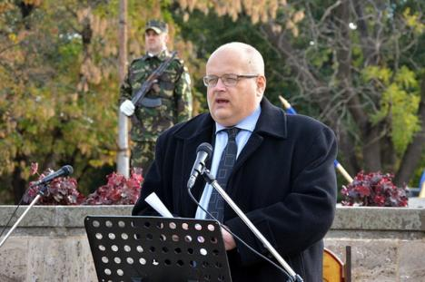 Ziua Armatei Române, sărbătorită la Oradea cu o defilare şi o expoziţie de armament şi tehnică militară (FOTO/VIDEO)