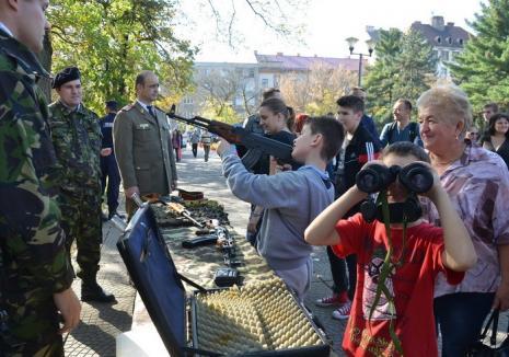 Miercuri e Ziua Armatei. Expoziţie de tehnică militară în Parcul 1 Decembrie
