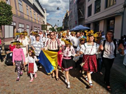 Ziua iei sărbătorită la Oradea cu tur ghidat prin oraş, o horă și o expoziție