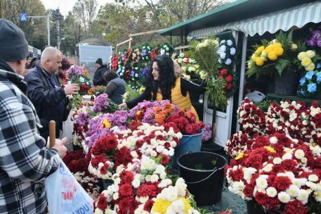 ADP Oradea organizează licitaţie pentru locuri de vânzare a coroanelor şi florilor de Ziua Morţilor