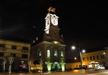 ISU Crişana cere Primăriei Oradea să verifice instalaţiile de iluminat arhitectural de pe toate clădirile din Piaţa Unirii