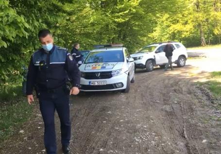 Bărbatul din Bihor care şi-a împuşcat în cap tovarăşul de braconaj a fost plasat sub control judiciar. Susţine că l-a confundat cu un mistreţ