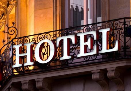 Prefectura va rechiziţiona hoteluri şi pensiuni din Bihor după ce nimeni nu s-a oferit să închirieze spaţii pentru carantină