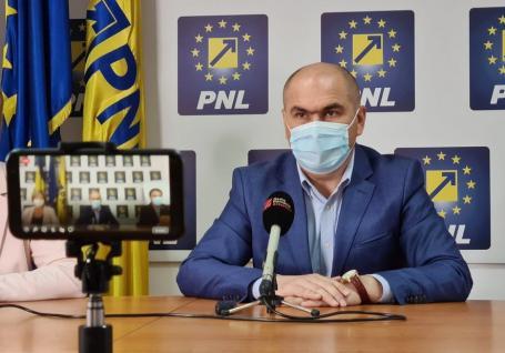 'Nu e suficient ca Bolojan să fie preşedintele Consiliului Judeţean'. Liderul PNL Bihor îndeamnă bihorenii la vot pentru a-şi alege parlamentarii