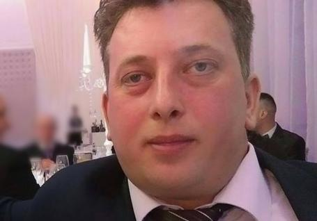 Poliţistul din Salonta care a răpit un proxenet şi l-a 'anchetat' dezbrăcat în câmp a fost trimis în judecată. Cum descriu procurorii întreaga 'acţiune'