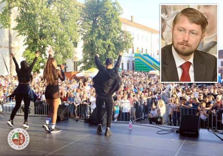 Sărbătoare cu segregare: UDMR Bihor nu-i informează pe români despre festivalurile maghiarilor, pentru că așa vrea Szabó Ödön