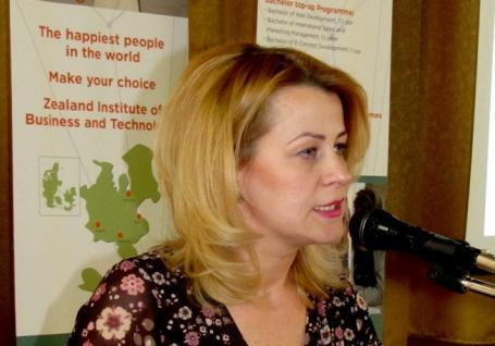 Şefă nouă la Casa Corpului Didactic Bihor: Noua directoare Mioara Ţigan este PNL-istă dar nu vrea s-o spună