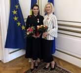 Două profesoare din Bihor, decorate de preşedintele Iohannis pentru că promovează limba română în Ungaria (FOTO / VIDEO)