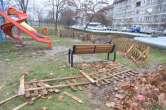 Parc vandalizat pe strada Italiană din Oradea (FOTO)
