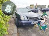 Parcare călare: Cum parchează un meltean cu Merţan şi insignă de poliţist internaţional
