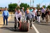 Propagandă la butoi: Şeful Consiliului Județean, Pásztor Sándor, taie panglici la drumuri cu care n-are nicio treabă
