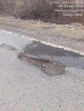 E praf! Un alt drum judeţean, cel dintre Salonta şi Tinca, este plin de gropi (FOTO)
