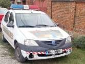 Nino-Nino în rugină: Maşina Poliţiei din Toboliu arată de parcă ar fi trecut prin război