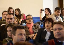 Sorbonică fără frică: Ca să scape de verdictul de plagiatoare, profesoara Simona Cavalu, de la FMF Oradea, și-a falsificat propria carte