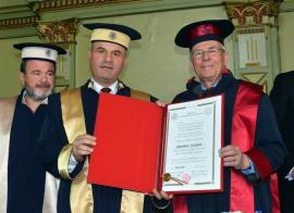 Un genetician de talie mondială a devenit Doctor Honoris Causa al Universităţii din Oradea (FOTO)