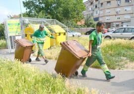 Curăţenie cu reguli noi: De anul viitor, toţi orădenii vor colecta selectiv în trei fracţii şi vor plăti în funcţie de câte gunoaie aruncă
