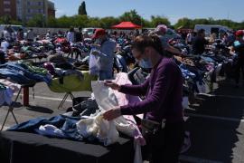 Dor de Ócska: Peste o mie de orădeni au fost la cumpărături în Piața 100 în prima zi de deschidere după două luni (FOTO / VIDEO)