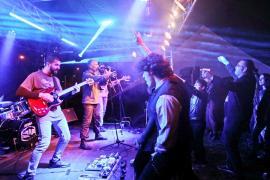 Petrecere pe cinste la OctoBerFest, cu Fraţii Jdieri şi o trupă rock din Serbia (FOTO / VIDEO)