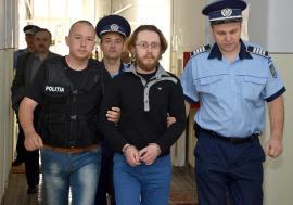 Criminal în libertate: Fostul avocat Cosmin Moraru, care şi-a ucis soacra cu o cruzime ieşită din comun, a fost lăsat acasă după doar 7 ani