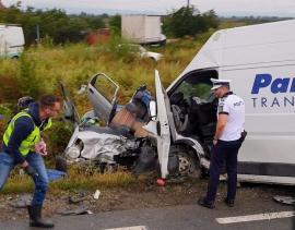 Accident cu 5 victime la Tileagd: Două persoane au murit, una este în stare foarte gravă (FOTO / VIDEO)