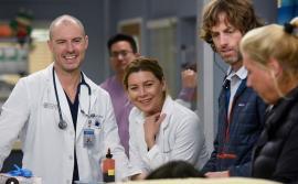 Producătorii 'Grey`s Anatomy' şi 'The Good Doctor' donează recuzita medicilor din spitalele care nu au echipamente de protecție