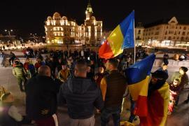 Sub 100 de protestatari anti-restricții în Oradea. Discursuri controversate, cu informații false sau adevăruri trunchiate (FOTO / VIDEO)