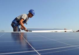 Eco-investiţii: Bihorenii vor putea obţine bani pentru panouri fotovoltaice, electrocasnice şi autoturisme de la Administraţia Fondului de Mediu
