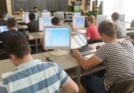 Beneficii... pe sărite: Tinerii orădeni, 'interzişi' la stimulente acordate IT-iştilor chiar de Primăria Oradea