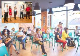Clubul vorbăreţilor: În Oradea funcţionează un club unde oamenii învaţă să devină mai buni oratori