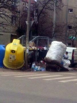 Hoţii de gunoaie, în ture de noapte