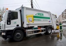 Numai reciclabile! Din această săptămână, toate utilajele RER care colectează deşeurile reutilizabile sunt marcate