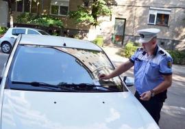 Stop, parcarea mea! Poliţiştii locali din Oradea se mişcă greu la reclamaţiile privind ocuparea abuzivă a parcărilor de domiciliu