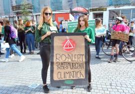 S-au trezit tinerii! Cine sunt fetele din Oradea care au mobilizat locuitorii la protestele ecologiste