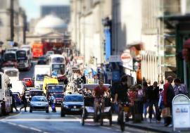 Soluţie anti-poluare: Taxă de parcare pentru firmele ai căror angajaţi vin la muncă cu maşina