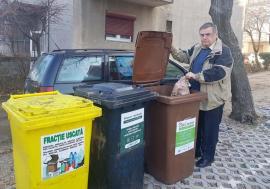 """Cum a reuşit o asociaţie din Oradea să scape de factura de gunoi: """"Conştiinţa omului trece prin buzunar"""", spune președintele Ioan Ferche"""