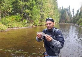 Pescar... de cursă lungă: Un pescar înrăit din Oradea militează pentru ape curate și pline de pește