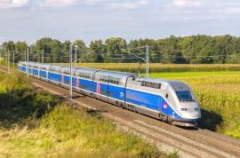 Mai bine cu trenul: Franța suspendă zborurile pe rute care pot fi parcurse în mai puţin de două ore şi jumătate cu trenul