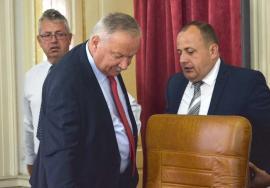 Majoritate pierdută: Izgonirea Anei Maria Tiron de către Ioan Mang a făcut din coaliţia PSD-UDMR-ALDE egala PNL