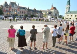 Apel pentru rege: Maghiarii presează Primăria Oradea pentru o statuie a regelui Ladislau, Bolojan îi ignoră