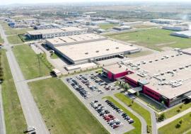 """Fabricile de bani: Parcurile industriale din Oradea au atras investiţii de 400 milioane euro și trec la afaceri """"deştepte"""": IT, robotică şi medicamente"""
