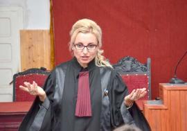 Judecător voiajor! Şefa Tribunalului Bihor refuză să dea seama pe ce călătorii a cheltuit anul trecut peste 25.000 lei