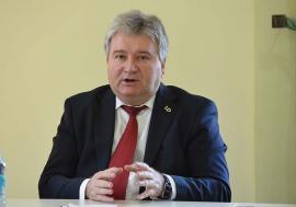 De unul singur: Constantin Bungău este unicul candidat la alegerile pentru rectoratul Universității din Oradea