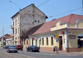 Probleme la etaj! Orădenii din centru contestă ideea primarului Bolojan de a-i obliga să-şi înalţe casele