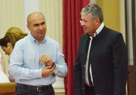 Pact cu diavolul: Împărţirea politică a banilor pentru primăriile din Bihor, confirmată de acordul dintre PNL, UDMR, PSD şi ALDE