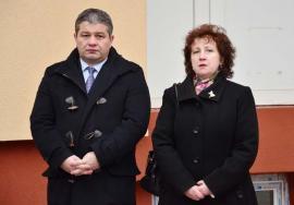Plagiator la pătrat: Bodog şi-a scos 'adeverinţă' de autor de la doctoriţa Daina, care de ruşine a fugit în concediu