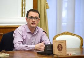 Ghid printre rânduri: Unul dintre cei mai apreciaţi cronicari literari din ţară este un jurist bihorean, Dan Liviu Boeriu