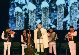 'România ne uneşte': Mega-concert folcloric cu Furdui Iancu, Sava Negrean şi orchestra lui Nicolae Botgros dedicat Zilei Naţionale