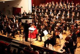 Ziua îndrăgostiţilor la Filarmonică: Cântece de iubire de ABBA, Elvis şi Metallica şi Coruri din opere celebre