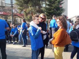 Marş în centrul Oradiei, de Ziua Internaţională de Conştientizare a Autismului (FOTO)