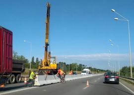 Şoseaua Borşului va avea separatoare de sens din beton pentru creşterea siguranţei traficului